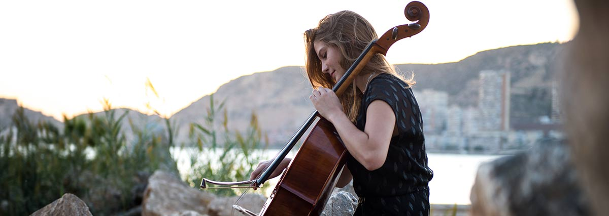 woman-playing-the-cello-outdoors